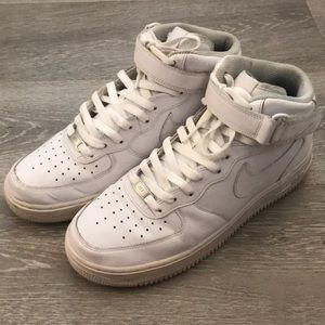 Nike Air Force 1 mid.